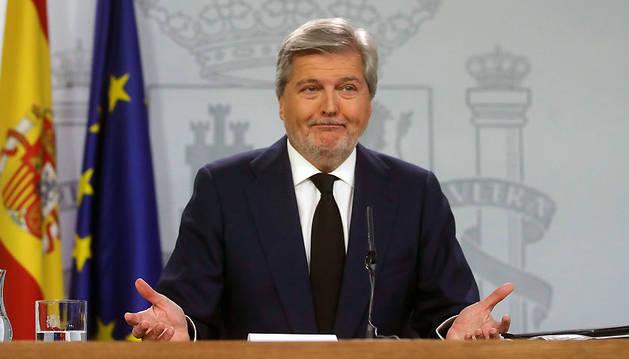 El portavoz del Gobierno, Íñigo Ménez de Vigo, en la rueda de prensa posterior al Consejo de Ministros.