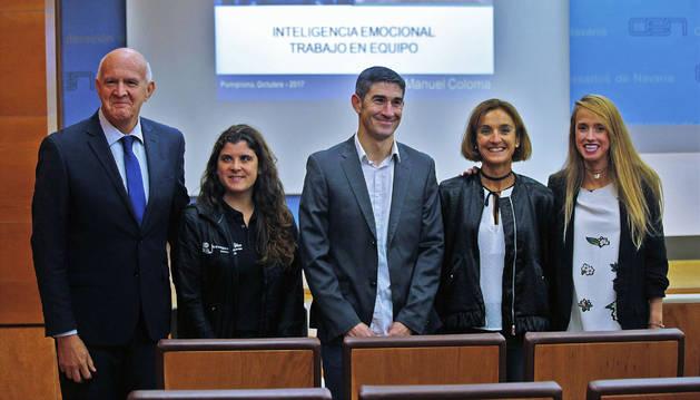De izquierda a derecha, Manuel Coloma, Carla Casals, Alberto Undiano Mallenco, Ana Casares e Irache García, ayer en la Confederación de Empresarios de Navarra (CEN).