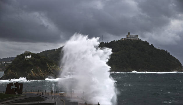 Este Sábado en San Sebastián ha habido olas de hasta 4 metros