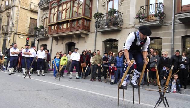 La asociación de Nafar Laiariak demostró su habilidad con las layas en cuatro pruebas diferentes que disputaron en la calle Severino Fernández.