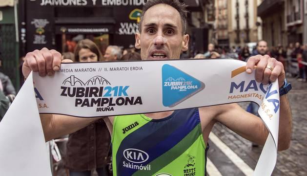 Imágenes de la 'II Zubiri-Pamplona'