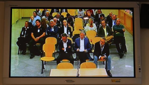 Vista de un monitor de la sala  de la Audiencia Nacional donde las fiscales emiten su informe en el caso Gürtel.