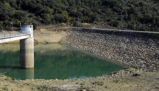 Los embalses navarros se vacían con la sequía y sus reservas solo alcanzan el 29%