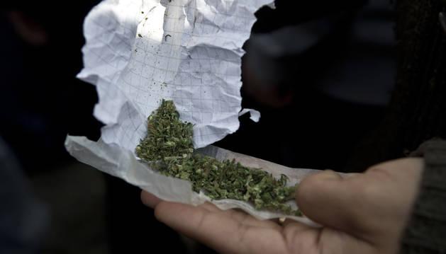 Condenan a un club de cannabis por facilitar el consumo a terceros