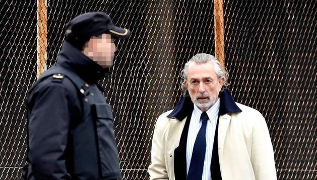 Imagen del cabecilla de la trama Gürtel, Francisco Correa, a su llegada a la sede de la Audiencia Nacional.