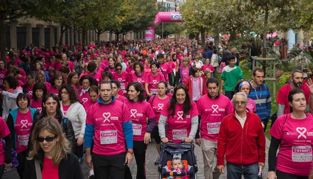 10.000 personas participaron en la carrera contra el cáncer de mama el año pasado.