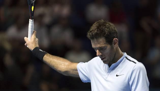 El tenista argentino Juan Martín del Potro reacciona tras vencer al tenista portugués Joao Sousa