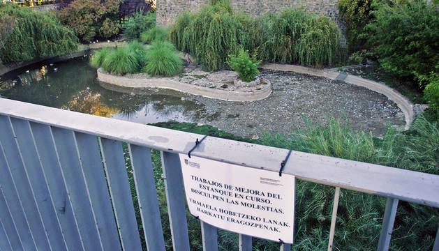 El ayuntamiento comenzar el d a 16 la retirada de vallas for Los jardines esquelas