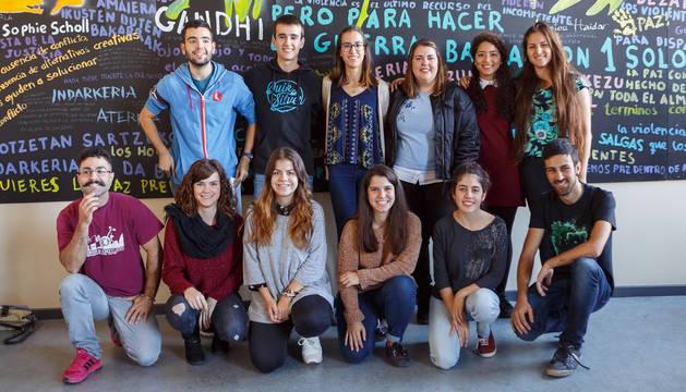 Universitarios participantes en el Proyecto Ruiseñor/Urretxindorra.
