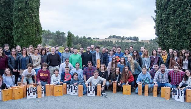 Foto de familia de los ganadores del Torneo.