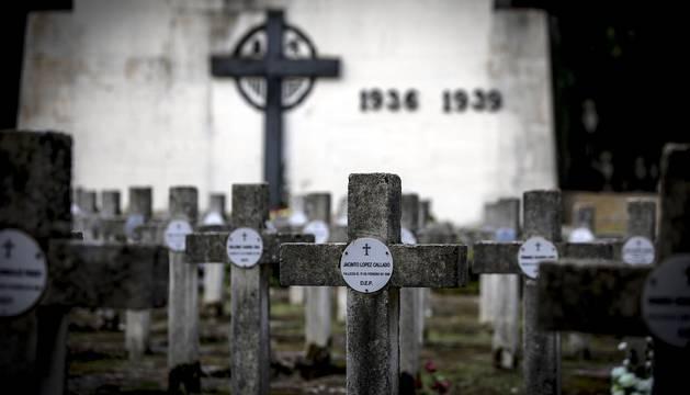 Un recorrido por los cementerios de Navarra en el día de Todos los Santos