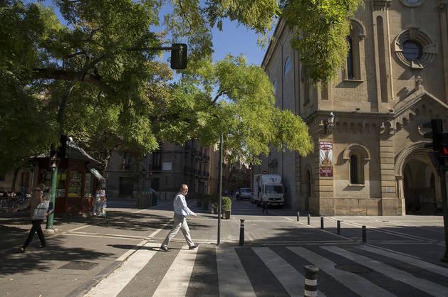 Vista de la parroquia de San Lorenzo y plaza Recoletas, dos de los puntos de desencuentro.