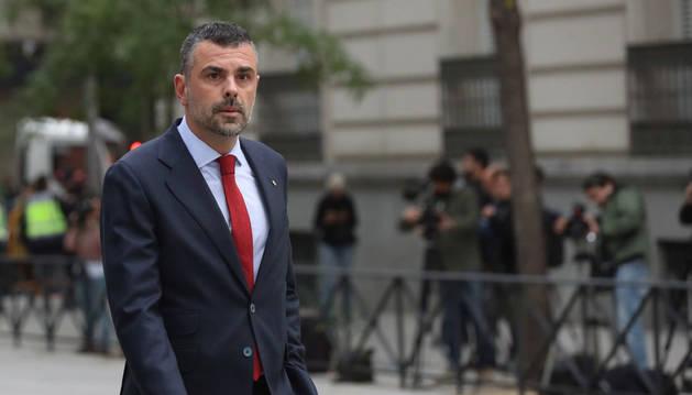 Imagen de Santi Vila a su llegada a la Audiencia Nacional el jueves para declarar junto a sus compañeros del Govern.