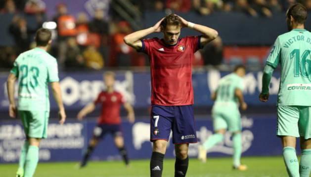 David Rodríguez se lamenta de una ocasión fallada durante el partido contra el Granada
