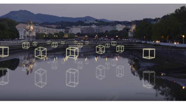 Regalos de luces sobre el río Urumea de San Sebastián