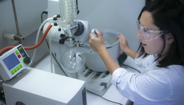 Investigación en el Laboratorio de Química Inorgánica del Departamento de Química Aplicada de la UPNA