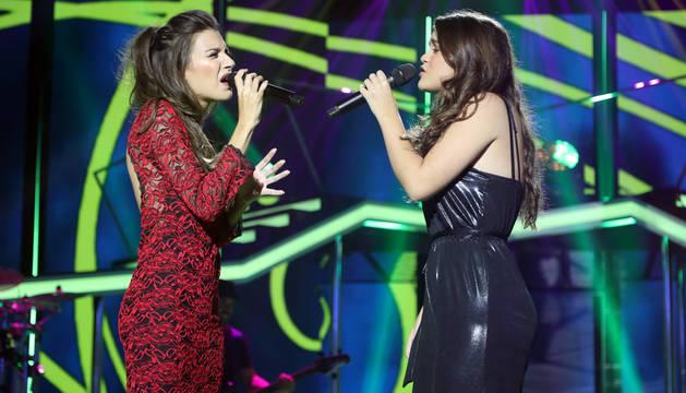 Imagen de la actuación a dúo de Amaria Romero y Ana Guerra, en la segunda gala de OT 2017.