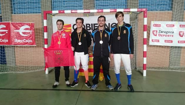A la izquierda, el campeón Yago Navarro junto al segundo, tercer y cuarto clasificado.