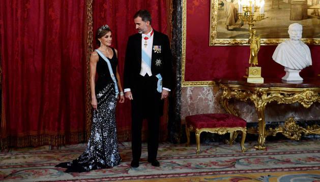 La reina Letizia y el rey Felipe VI en la cena de gala de este lunes.