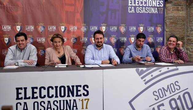 La candidatura de Juanra Lafón (Sánchez, Blanco, Lafón, Hernández y Arbués), dando este martes explicaciones sobre el preaval presentado.
