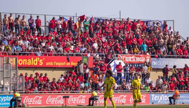 La afición de Osasuna durante el partido de La Liga 123 contra el Reus
