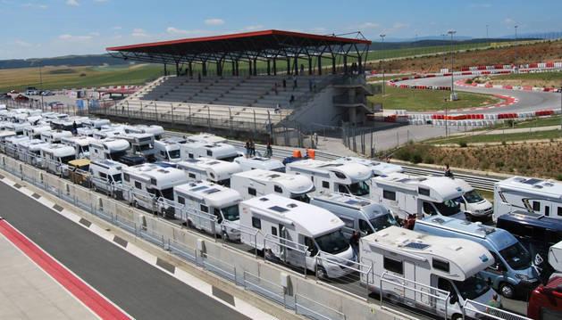 Concentración de autocaravanas en Los Arcos, el pasado mayo, impulsada también desde Arróniz.