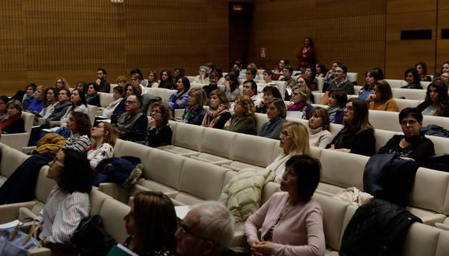 Imagen de los participantes en las XIX Jornadas sobre Cáncer en Navarra este jueves, en Civican.