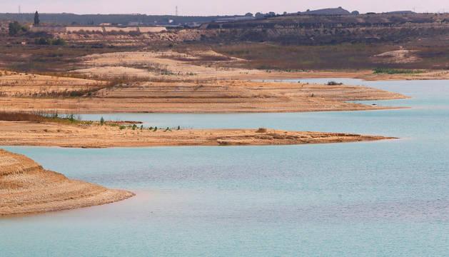 En la imagen, el pantano de La Pedrera, perteneciente a la cuenca hidrográfica del Segura