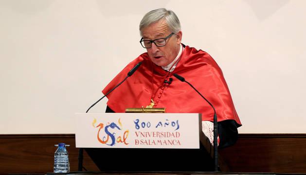 Juncker pronuncia unas palabras durante el acto en el que ha sido investido doctor honoris causa por la Universidad de Salamanca.