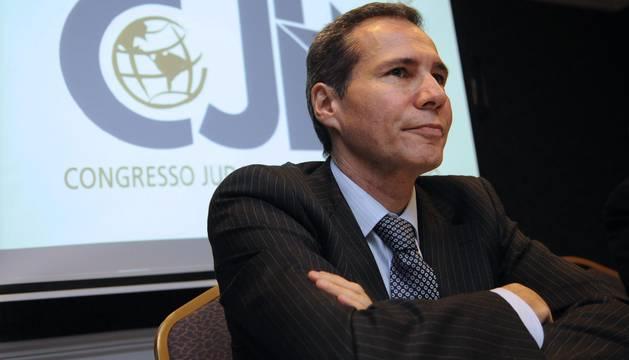 La Justicia argentina dice que Nisman fue asesinado y señala a quien le llevó el arma