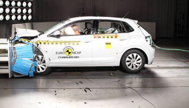 Imagen de un VW Polo. El nuevo modelo sigue a la vanguardia en seguridad.