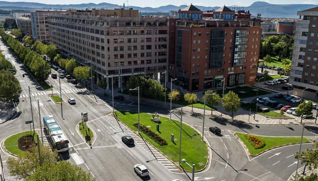 Imagen de la avenida de Pío XII, objeto del plan de urbanización que prevé reducir los carriles de circulación e incluir un carril bici.