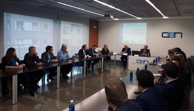 La CEN presenta el proyecto 'Consolidación y crecimiento de empresas de tamaño medio'.
