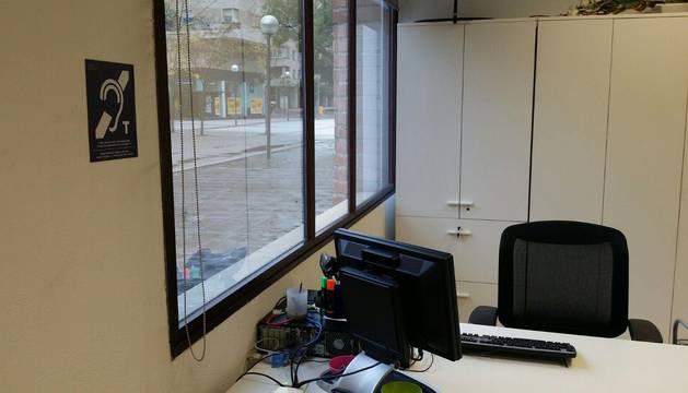 Barañáin facilita la accesibilidad a personas con discapacidad auditiva en dependencias municipales