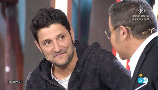 Un momento de la entrevista de Jorge Javier Vázquez a Miguel del Villar a su llegada a plató como último expulsado de 'Gran Hermano Revolution'.