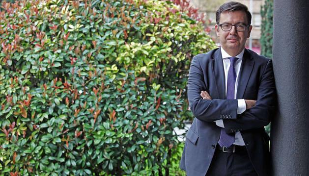 Imagen de Román Escolano, vicepresidente del Banco Europeo de Inversiones (BEI), momentos antes de la entrevista.