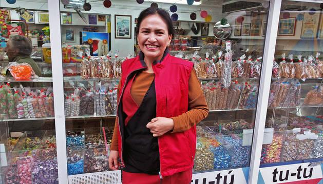 Rocío Cañaveral Gómez, empleada de la tienda de golosinas Tu-tú.
