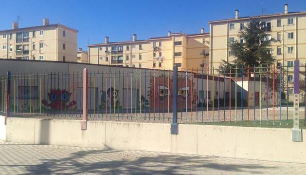 Vista exterior del Centro Comunitario de Iniciativas Sociales del barrio de la Milagrosa.