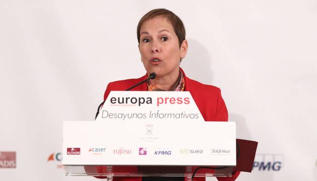 Uxue Barkos en los Desayunos de Europa Press