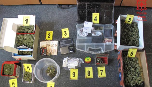 Marihuana y los útiles intervenidos