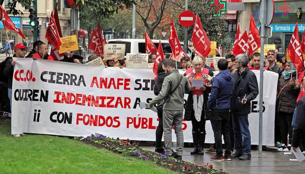 Imagen de una protesta de la plantilla de Anafe ante la sede de CC OO.