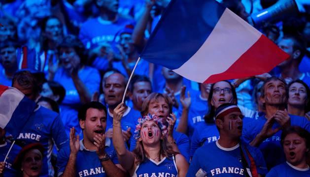 Aficionados franceses celebran el triunfo.