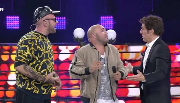 Imagen de Kiko Rivera junto a David Amor (izquierda) y Manel Fuentes (derecha), durante la gala 9 de 'Tu cara me suena'.