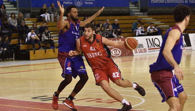 Stefan Andelkovic, en un partido con el Basket Navarra.
