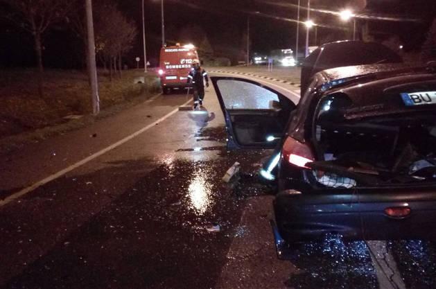 Imagen del estado en el que quedó uno de los coches tras el accidente en la PA-30.