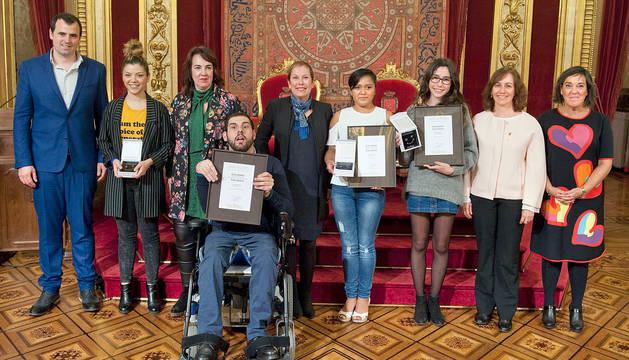 foto de los premiados en los Galardones de Juventud 2017