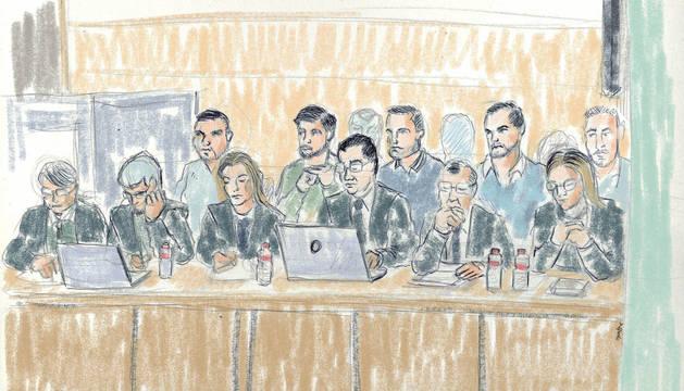 Ilustración de los cinco acusados en la sala.