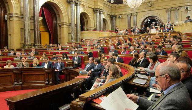 El Parlament catalán en una sesión antes de la intervención del Estado