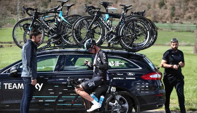 Xabier Zandio, junto con Chris Froome durante la pasada Volta a Cataluña. El pamplonés cree que el doblete Giro-Tour es posible.