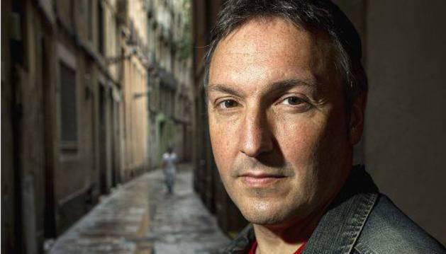 Carlos Zanón presentará en Pamplona